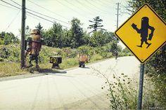 """""""1:1 Toys"""", ou quand les jouets prennent vie sous l'objectif du photographe canadien Daniel Picard, qui met en scène ses jouets et ses art toys en les incrusta"""