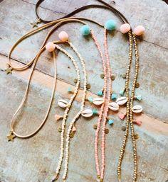 Sunny cords/ zonnebrilkoordjes Seashell Jewelry, Beaded Jewelry, Jewellery, Handmade Accessories, Handmade Jewelry, Homemade Bracelets, Accesorios Casual, Bracelet Crafts, Bijoux Diy