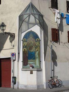 Tabernacolo di Giottino in Piazza Tasso, a Firenze