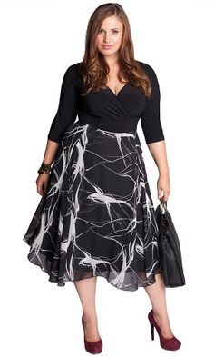 Plus size clothing for full figured women. We carry young and trendy, figure flattering clothes for plus size fashion forward women. Curvalicious Clothes has the latest styles in plus sizes Plus Size Black Dresses, Plus Size Cocktail Dresses, Plus Size Outfits, Designer Plus Size Clothing, Plus Size Designers, Designer Dresses, Look Plus Size, Plus Size Girls, Plus Size Women