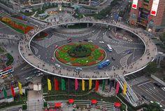 Uma passagem pedonal em Xangai