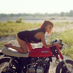 Honda CB cafe racer Biker girl ❤️ Women Riding Motorcycles ❤️ Girls on Bikes ❤️ Biker Babes ❤️ Lady Riders ❤️ Girls who ride rock ❤️