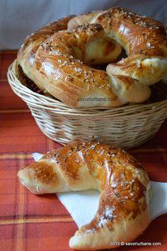 Cornuri simple de casa - cu sare | Savori Urbane Romanian Food, Pastry And Bakery, Bread, Homemade, Pizza, Sweet, Desserts, Foods, Drink