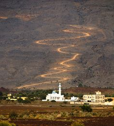 oman... the road to the mosque...