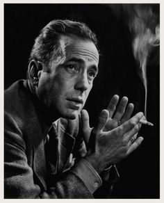 Humphrey Bogart - American actor and is widely regarded as an American cultural icon. In the American Film Institute ranked Bogart as the greatest male star in the history of American cinema.- Photo by Yousuf Karsh Hollywood Stars, Old Hollywood, Hollywood Icons, Hollywood Actor, Golden Age Of Hollywood, Classic Hollywood, Humphrey Bogart, Famous Movies, Famous Faces