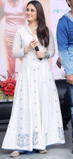 Singham Returns Actress Kareena Kapoor in Latest White Anarkali Suit by Rahul Mishra White Anarkali, Anarkali Dress, Pakistani Dresses, Indian Dresses, Indian Outfits, Bollywood Stars, Bollywood Fashion, Indian Attire, Indian Wear