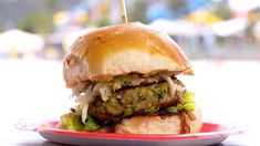 My Kitchen Rules Recipe - Henry & Anna's Pork Burger with Apple & Fennel Slaw Pork Burgers, Burger Buns, My Kitchen Rules, Apple Slaw, Latest Recipe, Kid Friendly Meals, A Food, Food Processor Recipes