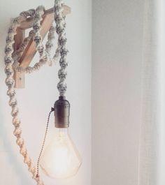 #Repost Nossa Luminária Pendente linda postada pela @heli.muniz . 😍 Ficou um arraso assim pendurada na não francesa. 💕 Obrigado pelo carinho, querida. Adoramos! Beijos. 😙    #DivirtaSeDecorando #decor #decoracao #homedecor #apartamento #casamento #arquitetura #designdeinteriores #instadecor #luminaria #artesanal #exclusivo #inspiracao #decorefacil #casa #scandi #estiloescandinavo #quartodecasal #saladeestar #parede #adesivosdeparede #adesivosdecorativos #adesivos #sabado