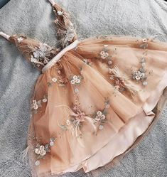 Tulle homecoming dress - Princess V neck Champagne Tulle Short Prom Dress with Handemade Flower – Tulle homecoming dress Cute Homecoming Dresses, Hoco Dresses, Tulle Prom Dress, Event Dresses, Sexy Dresses, Sweetheart Prom Dress, 1950s Dresses, Prom Gowns, Casual Dresses