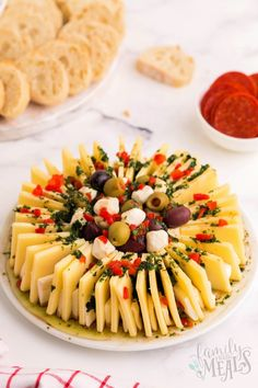 This marinated cheese ring appetizer is such an easy and fun way to add a bit of decorative snacking to your holiday appetizer table! Family Fresh Meals, Easy Family Dinners, Quick Easy Meals, Family Recipes, Holiday Snacks, Holiday Appetizers, Marinated Cheese, Appetizers Table, Best Comfort Food