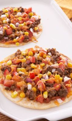 Mexican Pizza 1 low-carb tortilla ¼ c. marinara sauce  1 oz. lite shredded cheese (cheddar, Monterey jack, or Mexican blend)  ¼ c. thinly sliced red onions    Spread sauce onto tortilla, add cheese and onions on top and bake in toaster oven at 350° for 5-7 minutes.   175 calories