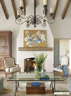Tuscan design – Mediterranean Home Decor Mediterranean Style Homes, Spanish Style Homes, Mediterranean Architecture, Mediterranean Fireplaces, Design Toscano, Houses In Austin, Cabinet D Architecture, Custom Homes, Living Room Designs
