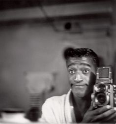 Brilliant collection! Not necessarily self-portraits but everyone and their queen appear here: anthony luke's not-just-another-photoblog Blog: Famous People With a Camera.