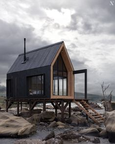 Tiny House Cabin, Cabin Homes, Tiny Homes, Eco Cabin, Cabin Design, Tiny House Design, A Frame House, Cabins In The Woods, Architecture Design