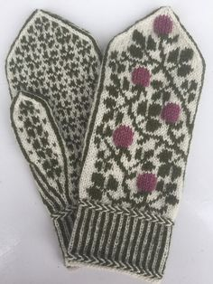 Kløvereng pattern by Marit Abrahamsen Knitted Mittens Pattern, Knit Mittens, Mitten Gloves, Knitting Patterns, Crochet Patterns, Drops Design, Crochet Hat Tutorial, Dragon Cross Stitch, Alpaca