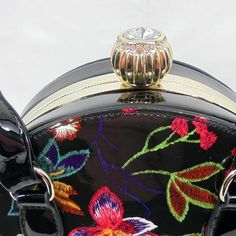 Designer Purses And Handbags, Purses And Bags, Handbags Michael Kors, Flask, Youtube, Fashion, Online Shopping, Patent Leather, Moda