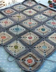 Beautiful crochet on this website!