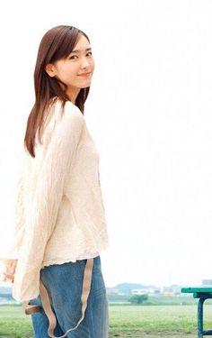 """uwaku-mayoi: """"(ガッキー画像Channelさんのツイート: """"新垣結衣☆ https://t.co/gY6cyW0Fwm"""" """""""