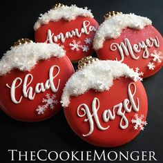 edible paper wafer snowflakes from the Cookie Monger - New Ideas Christmas Sugar Cookies, Christmas Sweets, Christmas Cooking, Christmas Goodies, Holiday Cookies, Christmas Presents, Fancy Cookies, Iced Cookies, Royal Icing Cookies