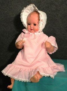 Puppe-Babypuppe-Spielzeug-Schildkroet-Strampelchen-alt-6243-Spielzeug