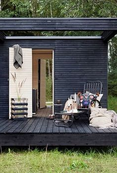 Finnish Sauna - great all year 'round. Go right outside and take a nice hot sauna Swedish Sauna, Finnish Sauna, Outdoor Spaces, Outdoor Living, Sauna Design, Design Design, Interior Design, Design Interiors, House Interiors