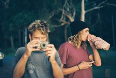 craig anderson and dane reynolds Surfer Guys, Soul Surfer, Craig Anderson, Become A Yoga Instructor, Surfer Style, Modern Kids, White Sand Beach, Perfect Man, Indie
