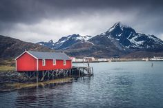 Rorbu in the Lofoten - *Rorbu in the Lofoten*  Photo of a #rorbu in the #Lofoten islands above the #arctic circle in #Norway. Made last year during my spring travel with fellow friends photographers.  #Sony #A7RII