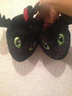 pantuflas de peluche de chimuelo entrenando a mi dragon 2