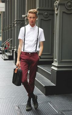 Narrowed trousers in currant along with suspenders helps catch girls staring eyes. #streetstyles #menfashion #suspenders #moscow #streetsnap #malefashion