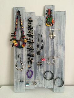 Tableau à bijoux fabriqué à partir de palette ***VENDU*** : Presentoir, boîtes par foliz-palette