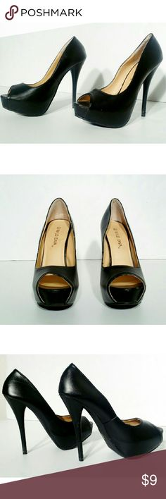 Wild Diva Womens Black Leather Peep Toe High Heels Size 6.5 Please check pics!.. Fast Shipping! Wild Diva Shoes Heels