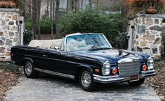 Vintage pictures of classic Mercedes Benz Cars Vintage pictures of classic Mercedes Benz CarsVintage pictures of classic Mercedes Benz CarsPurchase the auto, look good, be admired. Mercedes Benz Coupe, Mercedes Benz Models, Mercedes Benz Cars, Custom Mercedes, Mercedes 300, Benz Auto, M Benz, Convertible, Mercedez Benz