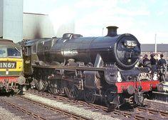 "LMSR ""Jubilee"" class at Leeds(City). 12 July Photo by Ricsrailpics Electric Locomotive, Diesel Locomotive, Steam Locomotive, Steam Trains Uk, Trans Siberian Railway, Leeds City, Old Train Station, Steam Railway, British Rail"