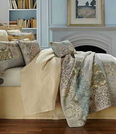 Villa by Noble Excellence Serena Quilt Mini Set