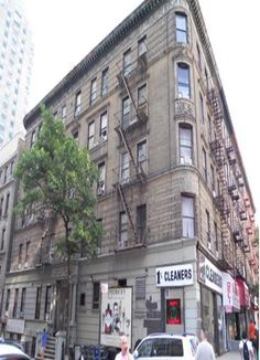 $50 WEST SIDE 2 BED MIXED DORMJazz on Amsterdam Avenue in New York, USA - Find Cheap Hostels and Rooms at Hostelworld.com