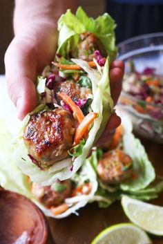 Thai Meatball Lettuce Wraps -- I'll have to look into getting some Thai sweet chili sauce for this recipe (and will probably substitute the fish sauce with soy) but these sound delicious. Fingers Food, Salat Wraps, Asian Recipes, Healthy Recipes, Thai Food Recipes, Healthy Snacks, Healthy Breakfasts, Thai Basil Recipes, Snacks Kids