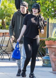 wanna-be-kardashian:  February 20th, 2016 - Kylie and Harry out in Calabasas