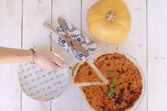 Butternut squash , pumkin, recipe, tart, caramelised onions, cream fresh, parmezan cheese, συνταγή, κολοκύθα, τάρτα, καραμελωμένα κρεμμύδια, κρέμα γάλακτος, τυρί, ζύμη μπριζ, cool artisan, Γαβριήλ Νικολαΐδης Caramelised Onion Tart, Caramelized Onions, Tart Recipes, Butternut Squash, Tarts, Bread, Cheese, Food, Carmelized Onions