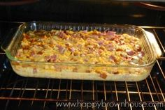 Have leftover holiday ham? This Ham, Egg, and Cheese Breakfast Casserole recipe is perfect for Christmas brunch. Make it the night before, and pop it in the oven while you open Christmas presents with the family. Brunch Egg Dishes, Breakfast Dishes, Breakfast Recipes, Ham Dishes, Christmas Brunch, Christmas Breakfast, Holiday Ham, Brunch Recipes, Snack Recipes