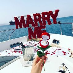 """Real Marriage Proposal Stories on Instagram: """"Such a beautiful and romantic proposal idea Love it! ❤ Tag who you'd want to share this idea with ... . . Photo via…"""" Cute Proposal Ideas, Romantic Proposal, Perfect Proposal, Proposal Photos, Love Proposal, Romantic Gifts, Romantic Weddings, Boat Wedding, Wedding Goals"""