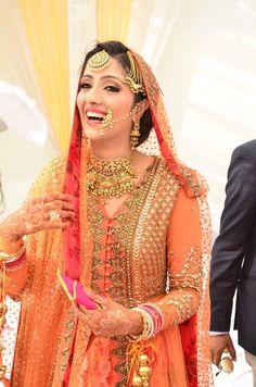 15 Beautiful Pics of Indian Wedding Saree Blouse Designs Pakistani Bridal, Bridal Lehenga, Saree Wedding, Indian Bridal, Sikh Wedding, Punjabi Wedding, Wedding Sutra, Bridal Hijab, Wedding Bridesmaids