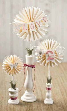 Very Vanilla lollies for elegant centerpieces - ready for my friend's wedding! Handmade Flowers, Diy Flowers, Paper Flowers, Pretty Flowers, Valentine Decorations, Valentine Crafts, Valentines, Diy Paper, Paper Crafts