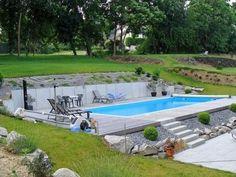 """der Bildersuche für """"sloping pool"""" der Bildersuche für """"sloping pool"""" ¿A quién no le gustaría tener una piscina de arena? Llámanos al 925795739 y te daremos presupuesto sin compromiso. Pool House Designs, Backyard Pool Designs, Swimming Pool Designs, Swimming Pools, Backyard Ideas, Sloped Yard, Sloped Backyard, Modern Landscaping, Backyard Landscaping"""