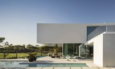 """The Layered """"Vidigal House"""" in Leiria, Portugal"""