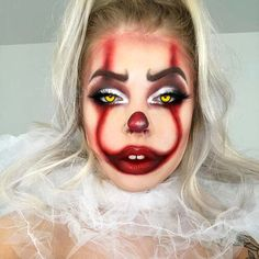 Are you considering dressing as Pennywise That Halloween? If that's the case, you're in the ideal place because now we've got 23 spooky Pennywise makeup designs. Clowns have always been terrified, but today even more, especially with Halloween Clown, Unique Halloween Makeup, Halloween Makeup Artist, Halloween Looks, Devil Makeup Halloween, Unique Makeup, Halloween Photos, Creative Makeup, Halloween 2019