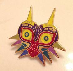 La légende de masque Metal Pin Badge Nintendo de par GingerKidInc