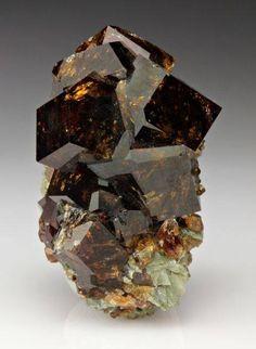 """Garnet ~ Miks' Pics """"Rocks"""" board @ http://www.pinterest.com/msmgish/rocks/"""