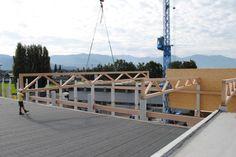 17 Meter Spannweite -- Montage der Fachwerkträger aus BauBuche