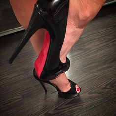 Here's a little peep show before bed...goodnight Instagram 💋 #ladypeep #peeptoe #louboutin #louboutins #louboutinheels #louboutinworld #enterlouboutinworld #redbottoms #redsoles #redtoes #rednails #redpolish #blackpatent #patentleather #hotheels #sexyheels #cfmheels #heelfetish #heellover #heelgasm #heelporn #shoejunkyxo #torontogirl