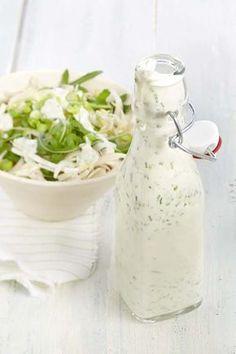 Yogurt dressing with garden herbs - - Fruit Recipes, Healthy Recipes, Sauces, Pesto, Juice Plus, Salad Dressing Recipes, Salad Bar, Light Recipes, My Favorite Food